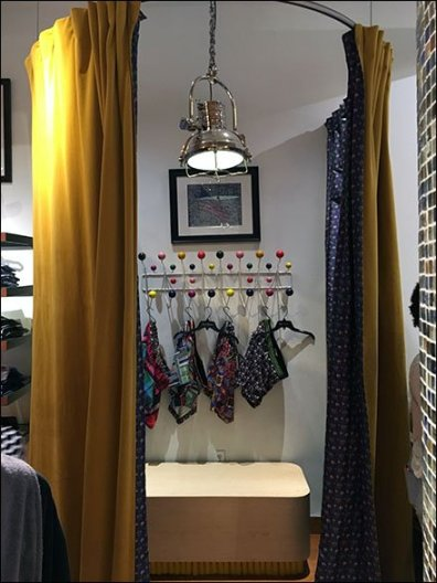 Pop-Up Fitting Rooms