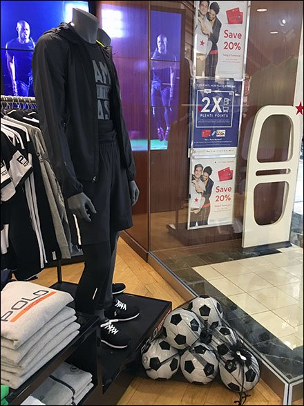Mesh Bag Visual Merchandising Soccer Balls