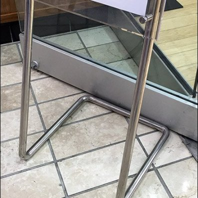 Tysons Mall Contemporary Cantilevered Easel 3