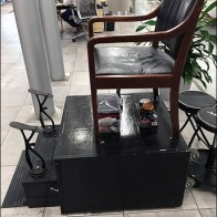 Mercedes Benz Manhattan Shoeshine Station 3