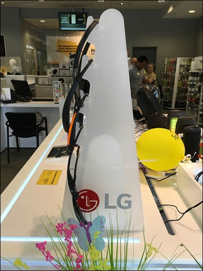 Sprint LG Headphone Display Tower 3