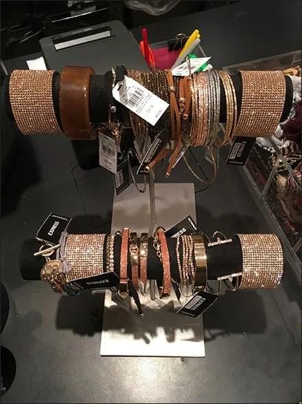 Double-Tier Bracelet Hump T-Stand