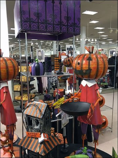 Halloween Merchandising En Masse 3