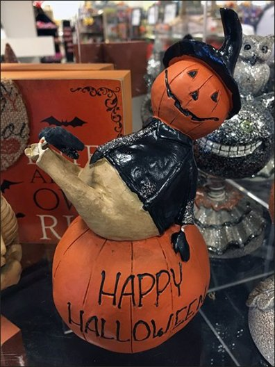 halloween-pumpkin-riding-pedestal-2