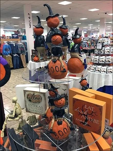halloween-pumpkin-riding-pedestal-main