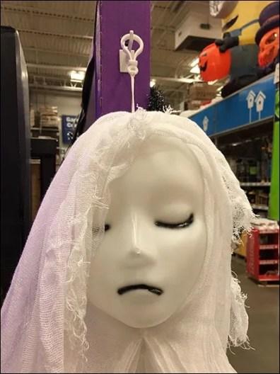 girlish-ghoul-corrugated-plastic-hook-3