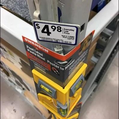 right-angle-strip-merchandiser-for-pallet-rack-3