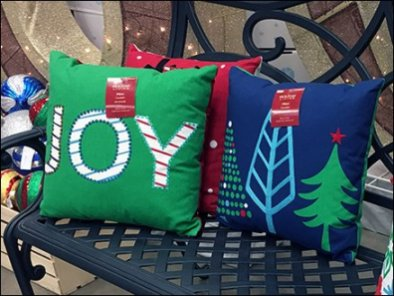 christmas-pillow-bench-merchandising-promotion-3