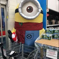 giant-minion-inflatable-2