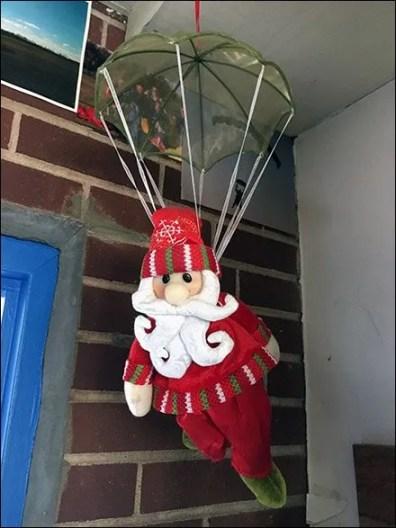 skydiver-santa-1