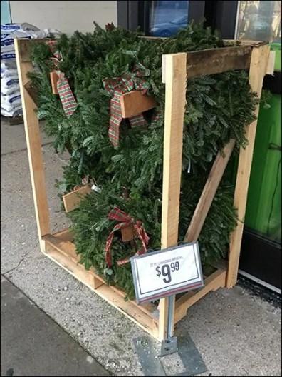 tractor-supply-wreath-merchandising-crate-2