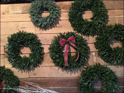 helen-eds-tree-farm-wreath-sales-3