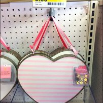 Be-Ribboned Valentines Day Pin Pad By Hook