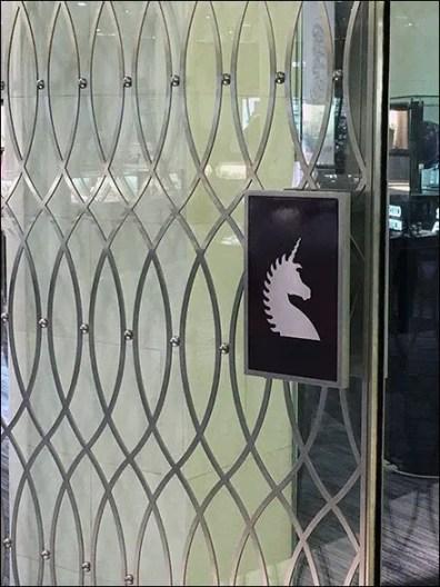 Bailey Banks and Biddle Door Handle Branding 2