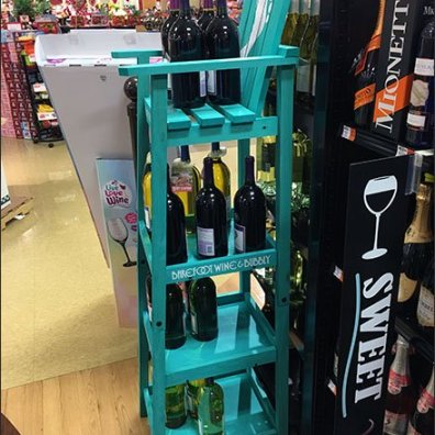 Barefoot Bubbly Wine Spirits Beach Chair 2