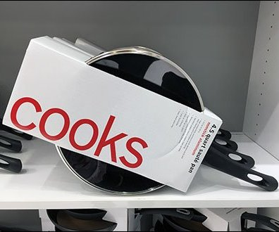 Cooks New Slant On Cookware Display