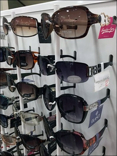 Sunglass Nose Hook Gondola Display 3