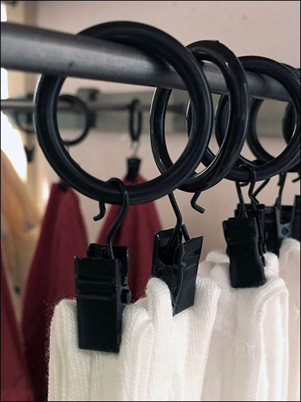 Free People Alligator Clip Faceout Display