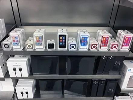 Apple iPod Shelf-Edge Color Merchandising