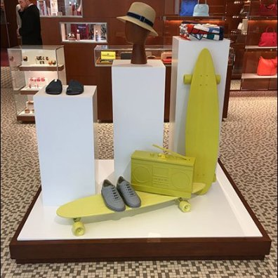 Hermes Summer Skateboard Props In Yellow