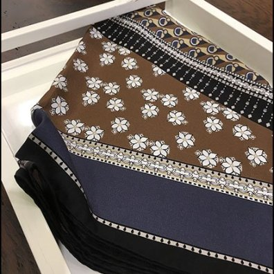 Table-Top Scarf Tray Visual Merchandising