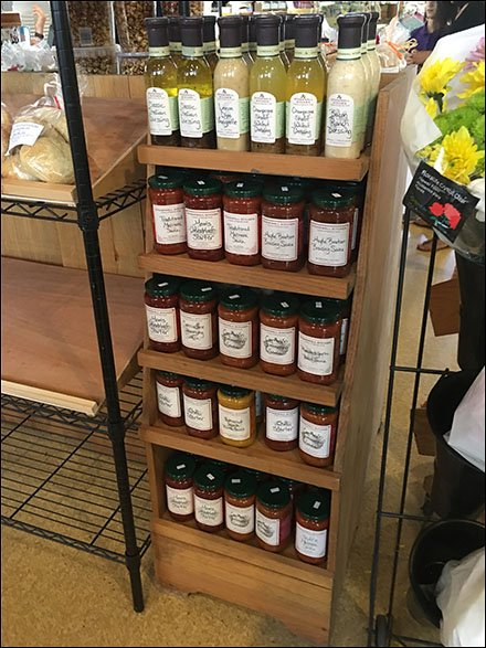 Stonewall Salad Dressing Wood Shelf Rack