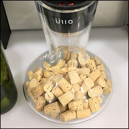 Uiio Carafe Wine Bottle and Cork Props