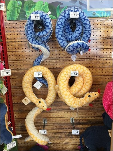 Large-Scale Snake Merchandising Scan Hook