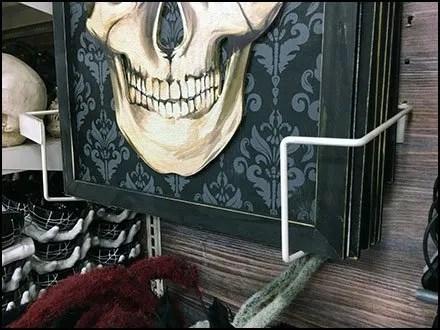 Frame Holder for Halloween Skulls