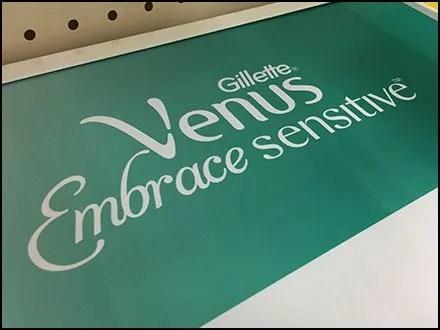 Tethered Try-Me Venus Razor Shelf-Top Display