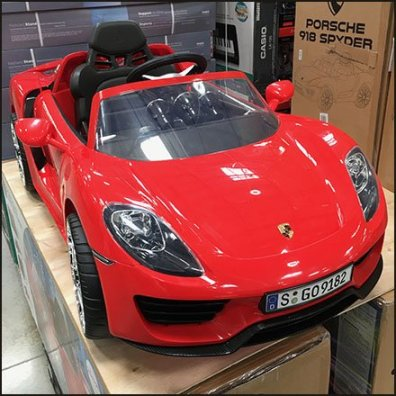 Porsche 918 Spyder Warehouse Club Merchandising Feature