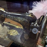Scissors and Needle Singer Sewing Machine 3