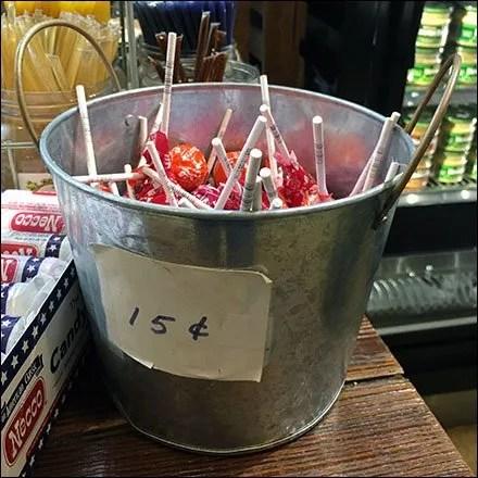 Tootsie Pop Pail Table-Top Merchandising