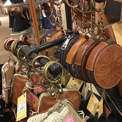 Iron Pipe T-Stand Coin Purse Merchandiser