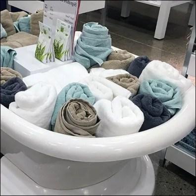 Bathtub Bulk Bin of Bath Towels Display