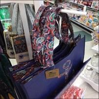 Slot Hook Spinner Merchandises Reusable Totes