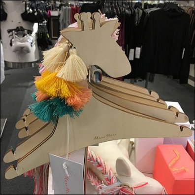 Horse-Head and Giraffe Clothes Hanger T-Stand