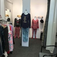 Motherhood Maternity Fitting Room Outfitting 3