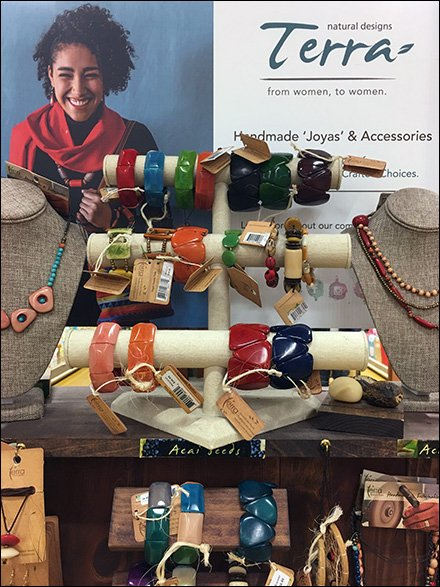 Handmade Tiered Fashion Jewelry Hump