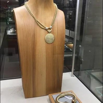 David Yurmam Vertical Museum Case