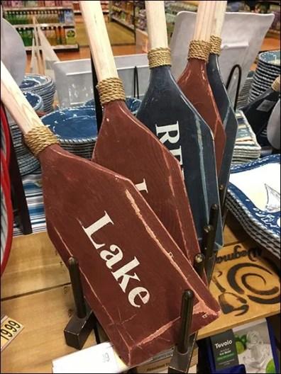 Canoe Paddle Merchandising Plate Displayer
