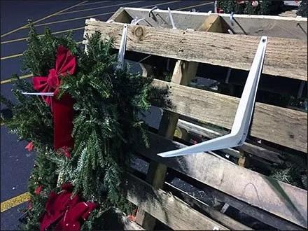 Do-It-Yourself Christmas Wreath Display Hook