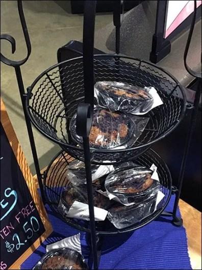 Oatmeal Cookie Twin Tier Baskets
