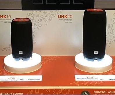 Legendary JBL Sound Smart Speakers Display