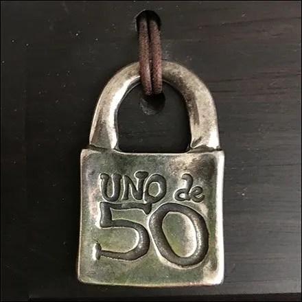 Logo Branded Uno de 50 Padlock