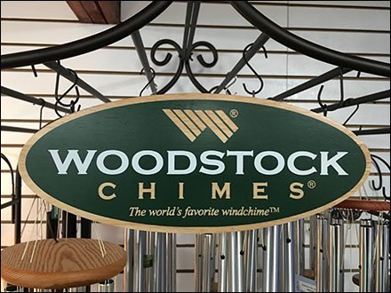 Woodstock Wind Chimes Trellis Display Aux