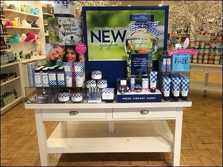 Bed & Bath Works Gingham Introductory Display