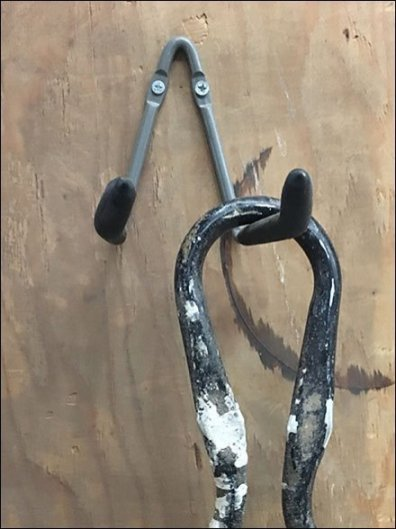 Single-Wire Twin Arm Utility Hook
