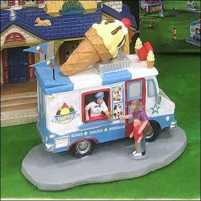 Lemax Summer Fun Ice Cream Truck Feature