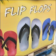 Flip Flop Bulk Bin Pallet Display Feature1